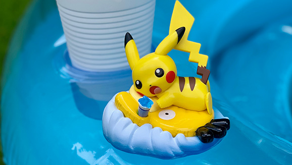 La nueva figura Funko Pop de Pikachu para julio es Splashing Away Summer